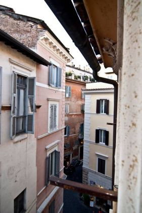 Prestigious apt near Piazza Navona - image 21
