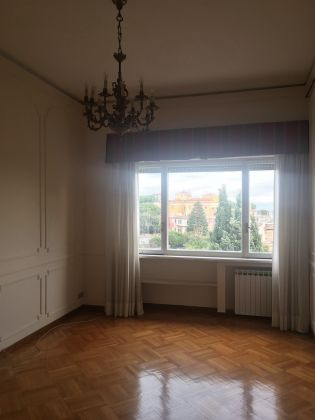 Prestigious 280m2 Penthouse in Monteverde Vecchio - image 10