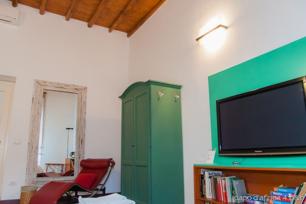 COLOSSEUM- 2 BEDROOMS RESTORED AND FURNISHED - image 7