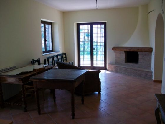 Cesano - 3-bedroom apartment in farm house compound - image 8