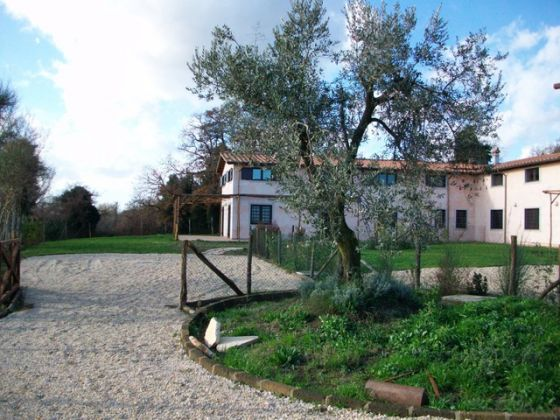 Cesano - 3-bedroom apartment in farm house compound - image 5