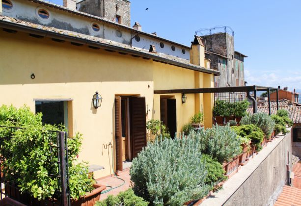 Exclusive apartment for sale in the mediaeval castle of Filacciano - 30 min from Rome - image 11