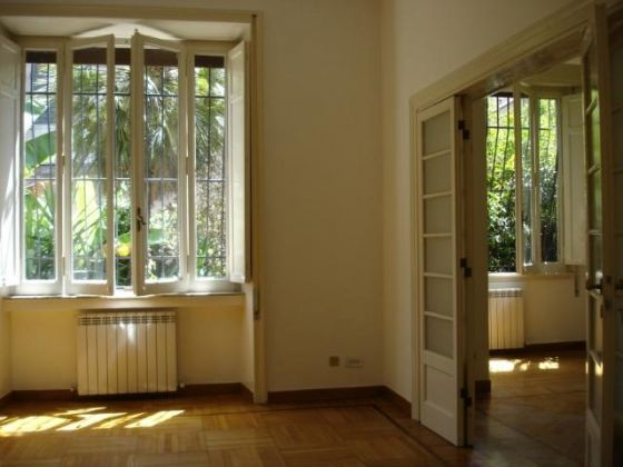 Parioli - 4 bedroom flat with garden and box for 1 car - image 4