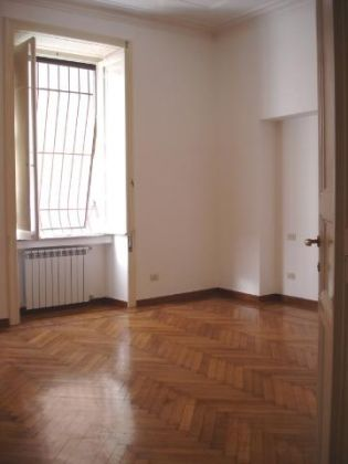 Parioli - 4 bedroom flat with garden and box for 1 car - image 10