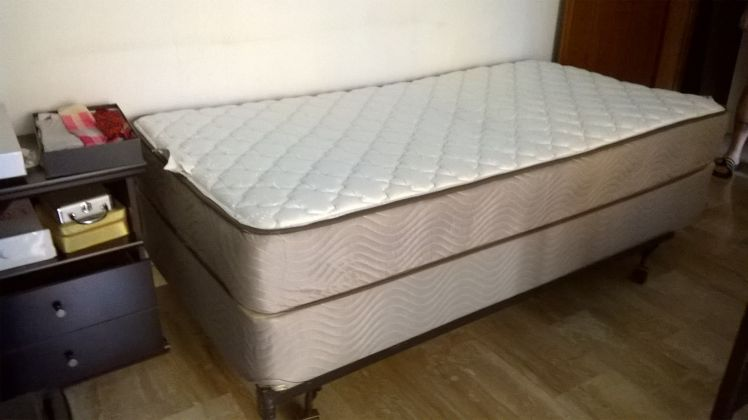 Single Mattress, Box-Spring and Frame - image 1