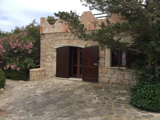 JUNE AND JULY IN SARDINIA VILLA.  STAY IN  DETACHED HAUSE IN EXCHANGE FOR 3 HOURS OF ENGLISH LESSON - image 6