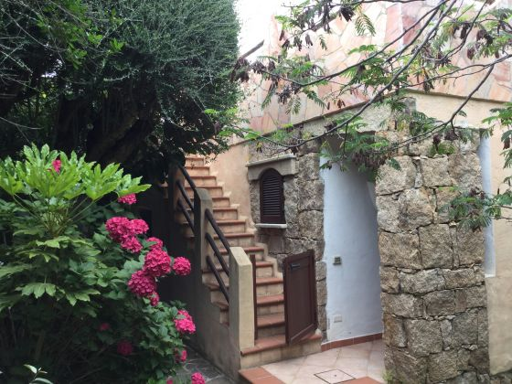 JUNE AND JULY IN SARDINIA VILLA.  STAY IN  DETACHED HAUSE IN EXCHANGE FOR 3 HOURS OF ENGLISH LESSON - image 3
