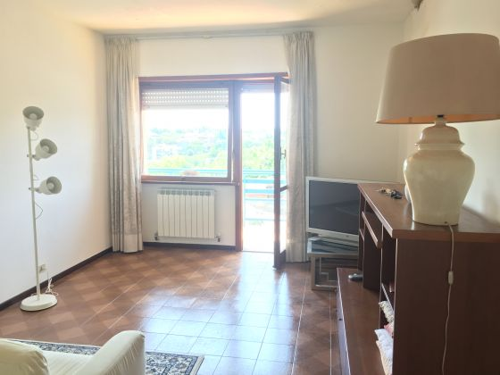 2 bedroom furnished flat with panoramic view - EUR Mostacciano - image 4