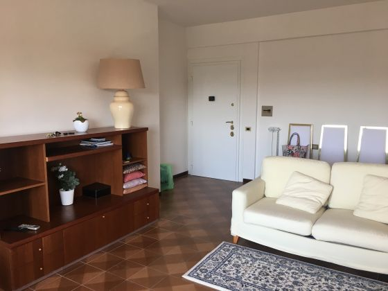 2 bedroom furnished flat with panoramic view - EUR Mostacciano - image 5