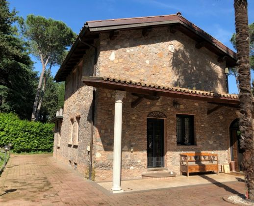 One of a Kind villa on Appian Way - image 3