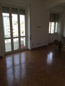 Remodeled, 3-bedroom flat in Parioli - AVAILABLE - image 5