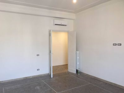 Remodeled, 3-bedroom flat in Parioli - AVAILABLE - image 7