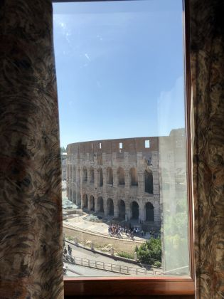 2-BEDROOM LUXURY FLAT FACING COLOSSEUM! - AVAILABLE. - image 17