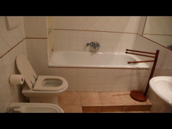 TRASTEVERE 2 BEDROOM FURNISHED - image 4