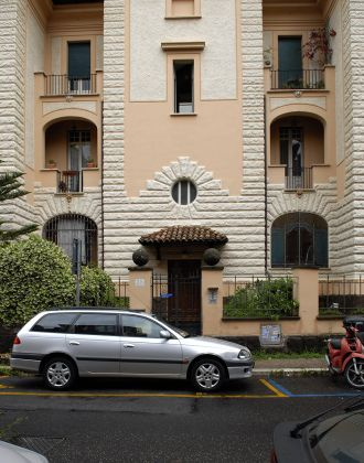 Great architect's  apartment in historical center of Rome - image 10