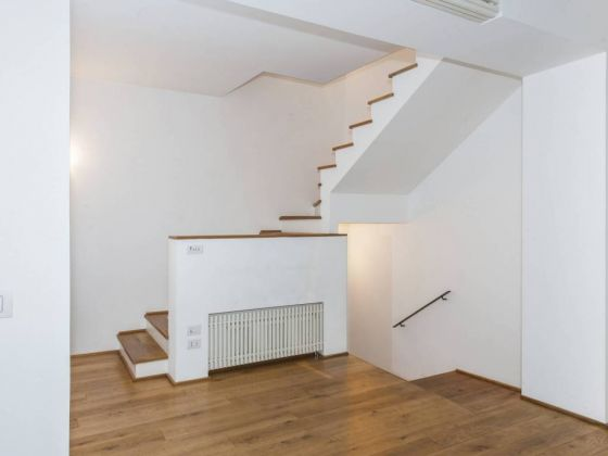 Independent apartment in Monti - 2 bedrooms + Terrace - image 5