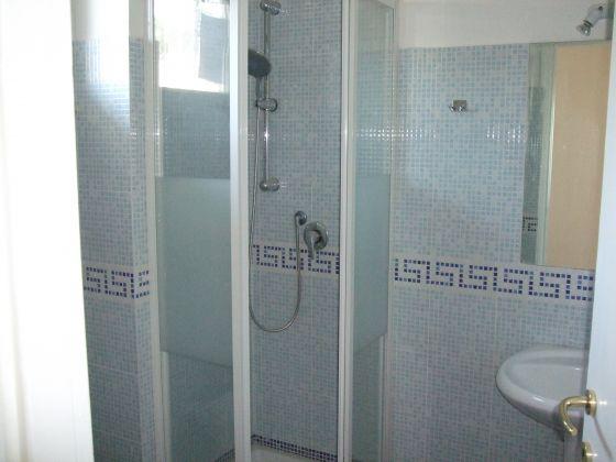 EUR - 3 BEDROOMS CLOSE TO LAKE - image 7