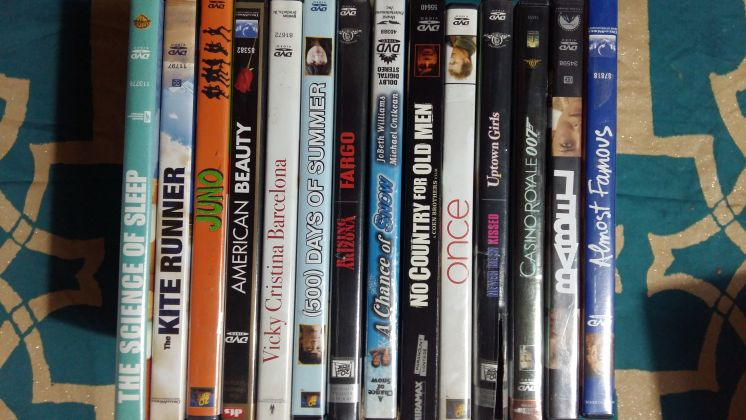 Lot of 16 DVDs in English - image 1