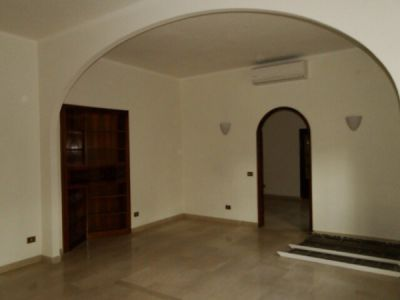 Parioli - very bright remodeled flat (200m2) with terrace & garage - image 4