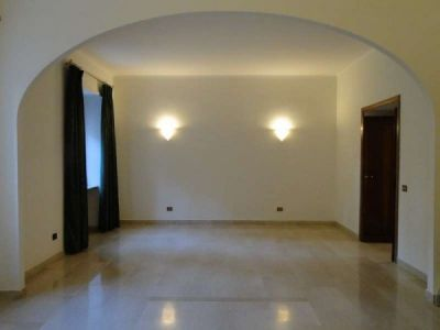 Parioli - very bright remodeled flat (200m2) with terrace & garage - image 1