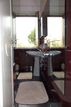 Charming Bright 2-bedroom flat in Testaccio - image 10