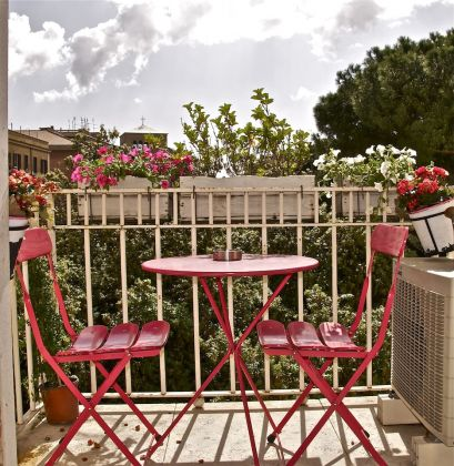 Charming Bright 2-bedroom flat in Testaccio - image 1