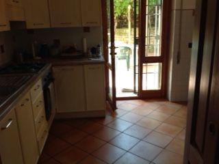 100 sq m semi furnished ground floor flat with 400 sq m garden. Prima Porta - comune di Roma. 3 bedroom, 2 bathroom, - image 9