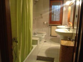 100 sq m semi furnished ground floor flat with 400 sq m garden. Prima Porta - comune di Roma. 3 bedroom, 2 bathroom, - image 10