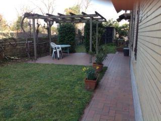 100 sq m semi furnished ground floor flat with 400 sq m garden. Prima Porta - comune di Roma. 3 bedroom, 2 bathroom, - image 3