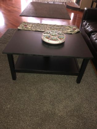 Selling household furniture price negotiable - image 3