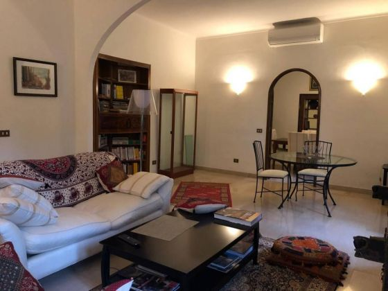 Parioli - very bright remodeled flat (200m2) with terrace & garage - image 3