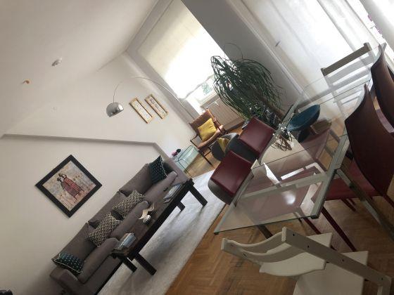 Extremely bright 3-bedroom apartment near Marymount - image 1