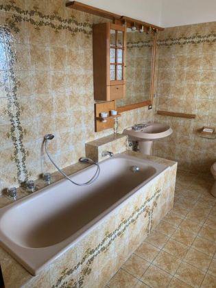AXA 3-bedroom flat with huge  - Available: immediately - image 11