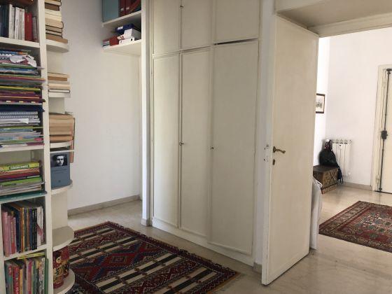 Extremely bright 3-bedroom apartment near Marymount - image 13