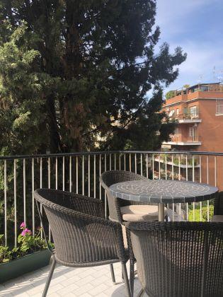 Extremely bright 3-bedroom apartment near Marymount - image 6