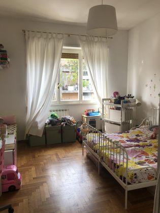 Extremely bright 3-bedroom apartment near Marymount - image 11