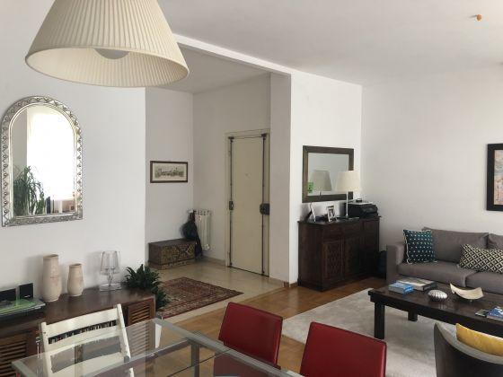 Extremely bright 3-bedroom apartment near Marymount - image 4