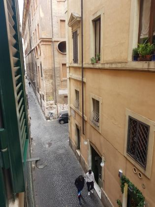 CAMPO DE' FIORI - ELEGANT ONE BED FURNISHED FLAT - image 6