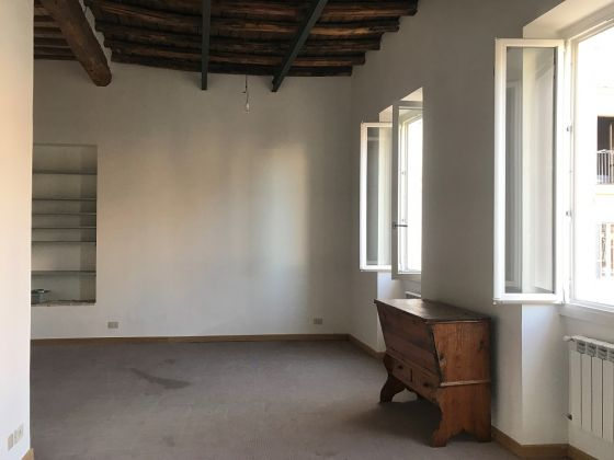 WONDERFUL APARTMENT  IN HISTORICAL CITY CENTRE - image 13