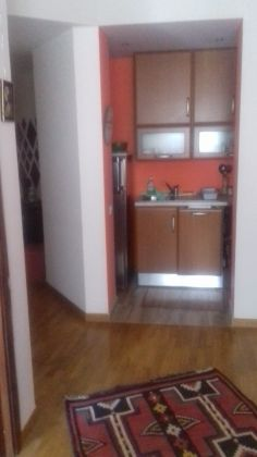 Small fully furnished flat for short term rent near Piazza Navigatore - image 4