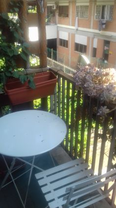 Small fully furnished flat for short term rent near Piazza Navigatore - image 3