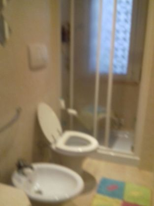 Small fully furnished flat for short term rent near Piazza Navigatore - image 7