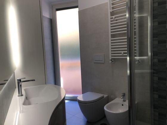 1-bedroom remodeled furnished flat - San Giovanni - image 10