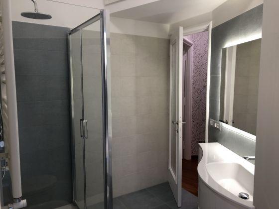 1-bedroom remodeled furnished flat - San Giovanni - image 9