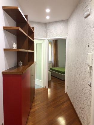 1-bedroom remodeled furnished flat - San Giovanni - image 5
