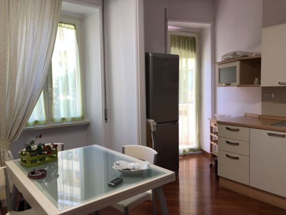 1-bedroom remodeled furnished flat - San Giovanni - image 6