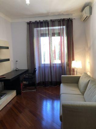 1-bedroom remodeled furnished flat - San Giovanni - image 3