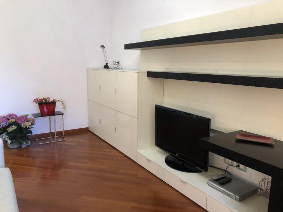 1-bedroom remodeled furnished flat - San Giovanni - image 4