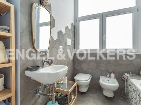 Renovated apartment for rent in Via dei Pioppi - image 10