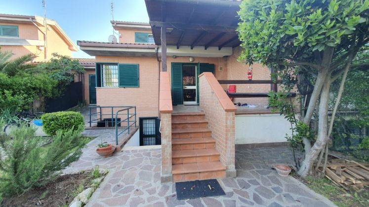 Casal Palocco - very close to Southlands! - Available: Immediately - image 3